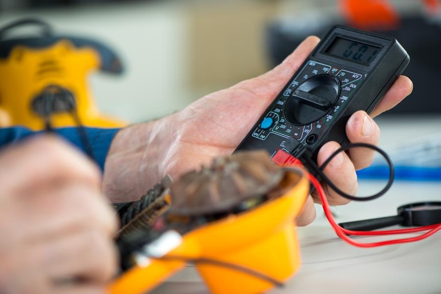 moc-elektryka-konserwacja-i-serwis-instalacji-elektrycznych